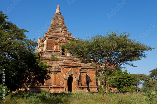 Poster Giant brick pagoda in Bagan on a sunny day