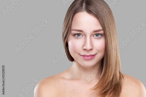 Aluminium Beautiful brunette with long straight hair