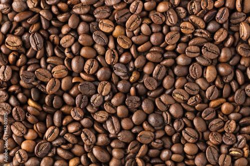 tekstury palonej kawy w ziarnach