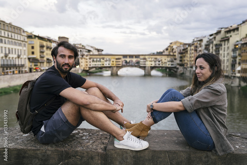 Fotobehang Florence Young couple in love visiting the city of Florence in Italy