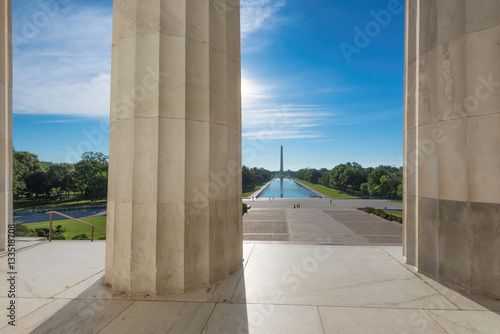 Washington Monument and new reflecting pool by Lincoln Memorial, Washington DC Tableau sur Toile