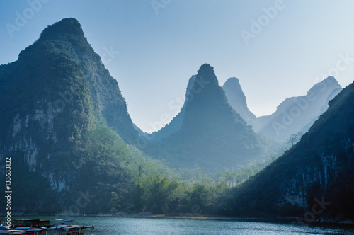 Fotobehang Guilin Karst mountains and Lijiang River scenery