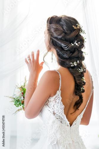 Papiers peints Salon de coiffure Natürliches romantisches Make-up und Styling für eine Hochzeit