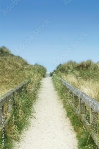Weg über die Düne zum Strand