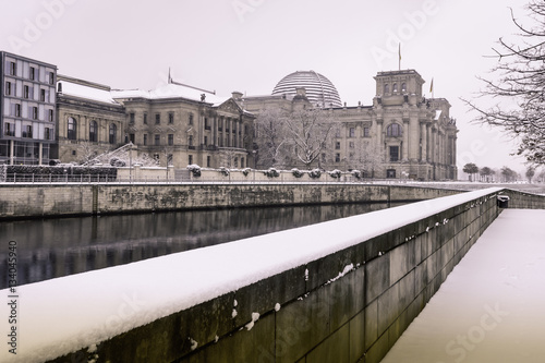 Poster Berlin, Germany Winter The Reichstag on a Snowy Morning