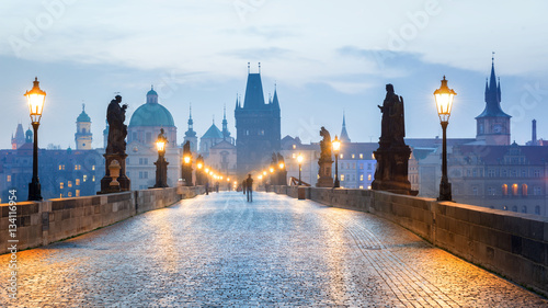 Foto Murales Prague - Czech Republic, Charles Bridge early in the morning.