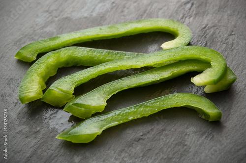 Foto Murales poivrons vert sur ardoise