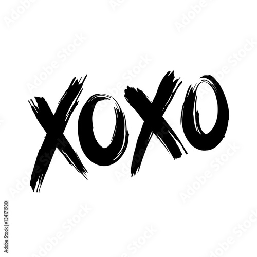 Póster Frase XOXO abraza y besa letras negras del cepillo en un fondo blanco