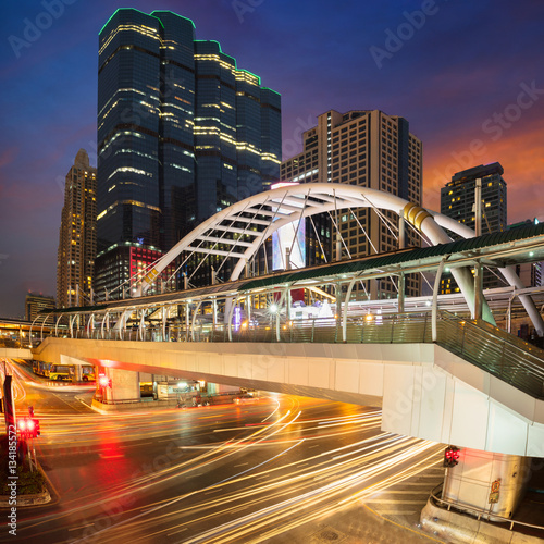 Foto op Aluminium Las Vegas Bangkok business center District, Chong Nonsi skywalk for transit between sky train, Bangkok Thailand