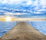 sol sobre el mar azul