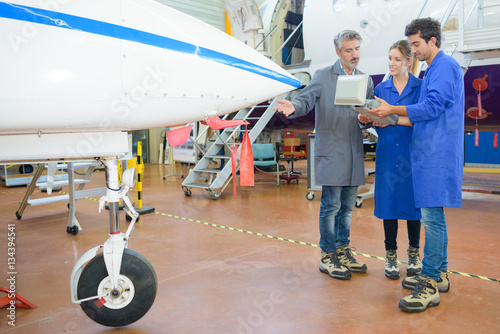 Zdjęcia reading the aircraft's program