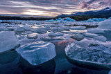 Fototapety Icebergs floating in Jokulsarlon glacial lagoon