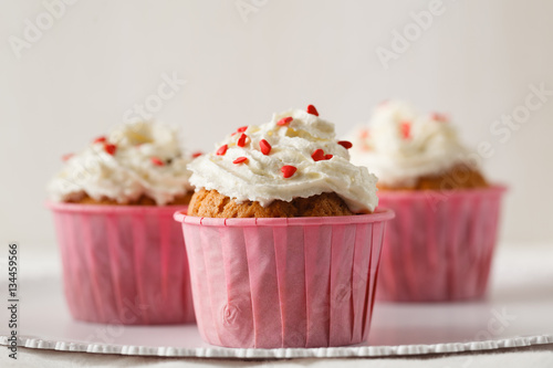 Poster Few cupcake with cream
