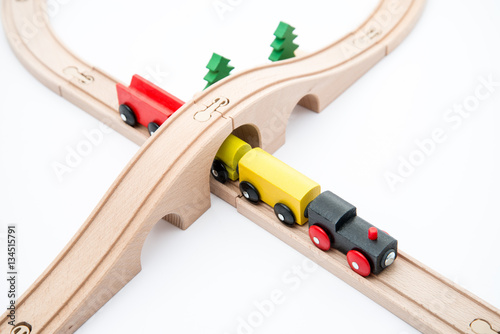 Zdjęcia ahşaptan yapılmış oyuncak tren