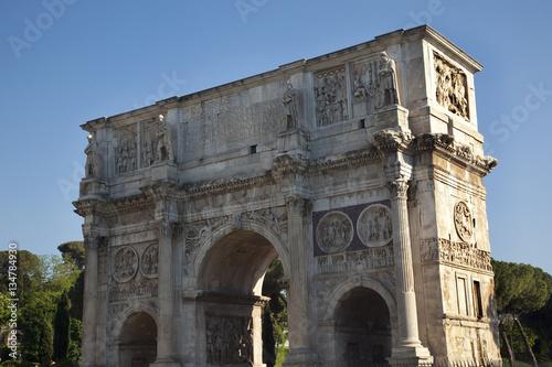 In de dag Milan Arch of Constantine Rome Italy