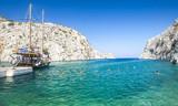 Bucht mit Boot am Meer