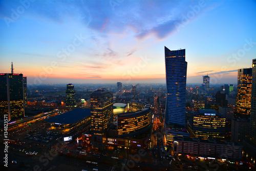 Warsaw at sunset. Fot. Konrad Filip Komarnicki / EAST NEWS Warszawa 23.11.2016. Warszawa o zmierzchu widziana z Palacu Kultury i Nauki.