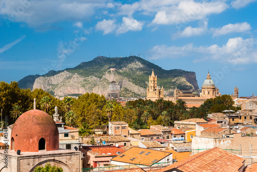 Spoed canvasdoek 2cm dik Palermo Panoramic view of Palermo with its cathedral and Monte Pellegrino in the background