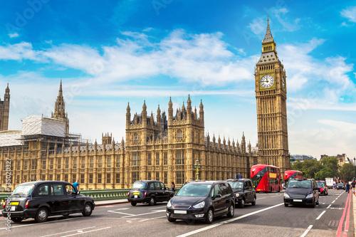Papiers peints Londres Big Ben, Westminster Bridge, red bus in London