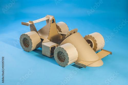 Aluminium Formule 1 cardboard racing car