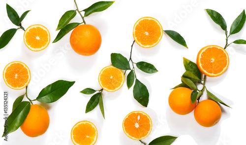 Wzór wykonany z pomarańczowej owoców.