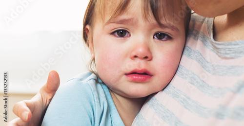 Foto Murales Crying toddler girl