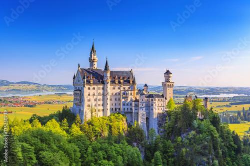 Zdjęcia na płótnie, fototapety na wymiar, obrazy na ścianę : Summer view of Neuschwanstein Castle, Fussen, Bavaria, Germany