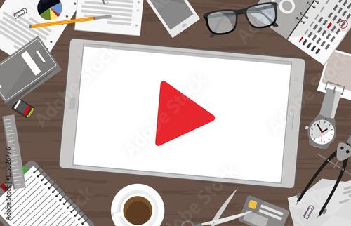 Video Marketing - Tablett mit Play Zeichen