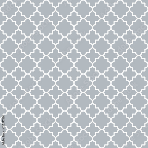 Traditional quatrefoil lattice pattern outline - 135577144