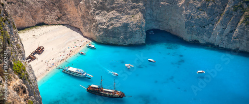 Papiers peints Naufrage Navagio beach and shipwreck, Zakynthos, Greece