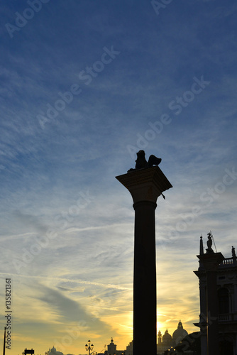 Poster Saint Mark Lion silhouette at sunset
