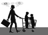 Mujer, trabajo, familia, hijos, carro, compras. Doble jornada laboral