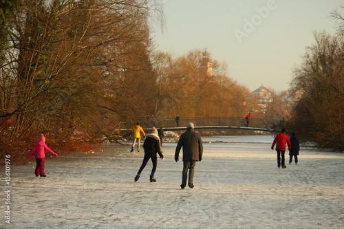 Eisschicht - Winterzeit Poster