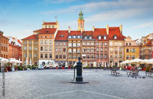 Zdjęcia na płótnie, fototapety na wymiar, obrazy na ścianę : Warsaw, Poland - 21 August, 2016:Rynek main square in Old Town i