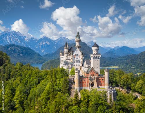 Zdjęcia na płótnie, fototapety na wymiar, obrazy na ścianę : Neuschwanstein Castle in summer, Bavaria, Germany
