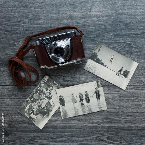 Poster Carte postale vintage souvenir de Verdun avec appareil photo
