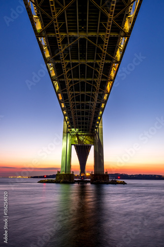 Poster Verrazano-Narrows bridge in Brooklyn and Staten Island at dusk
