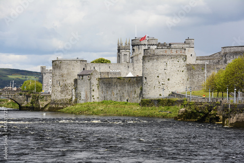 Irland, King John´s Castle am Shannon in Limerick.