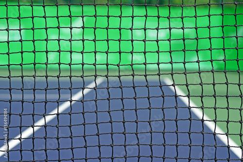 net in tennis court
