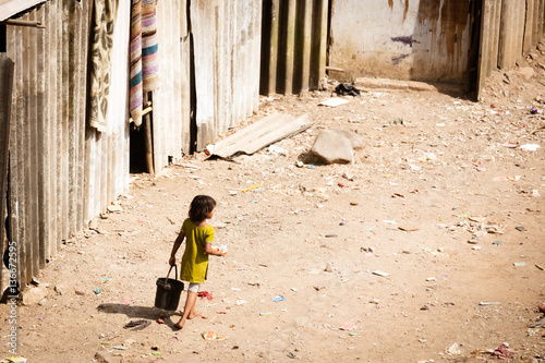 Foto Murales Mumbai Slum life