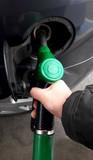 Fare rifornimento dal benzinaio