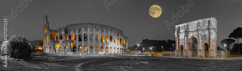 fototapeta na ścianę Rom Colosseum und Konstantinsbogen sw col Panorama