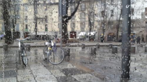 Zdjęcia na płótnie, fototapety, obrazy : Pioggia attraverso il vetro
