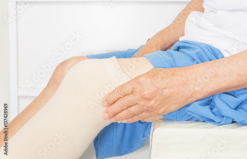Knee pain in old women Poster