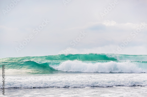 Blue waves in ocean. Waves for surfing - 137519383