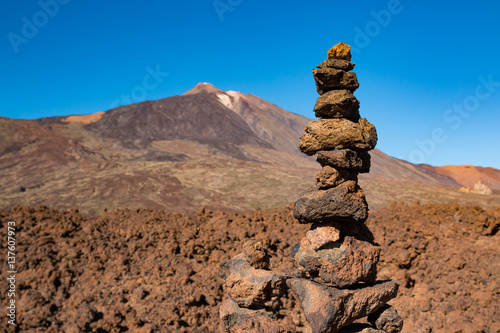 Papiers peints Cappuccino Stone pyramid and Teide National Park in Tenerife, Canary Islands