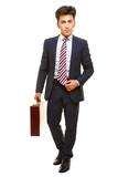 Geschäftsmann mit Anzug und Aktenkoffer