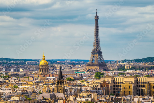 Skyline of Paris with Eiffel tower - 137722540