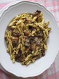 piatto di pasta con funghi