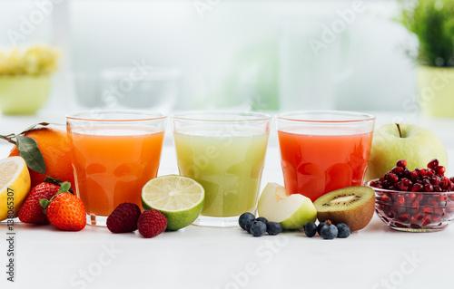 Fotobehang Sap Healthy colorful juices
